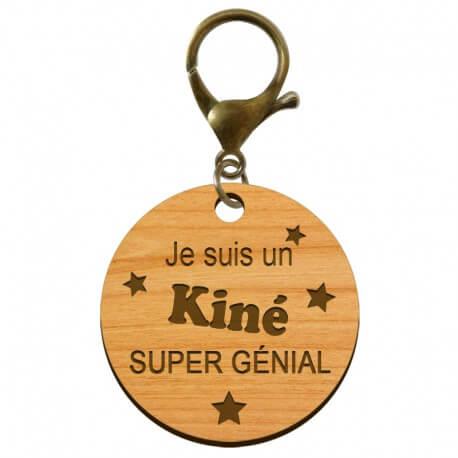 """Porte-clé Kiné personnalisé en bois  """"Je suis un Kiné super génial"""" - ma creation perso"""